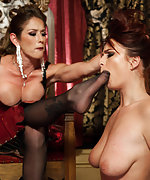 Her first kinky lesbian experience